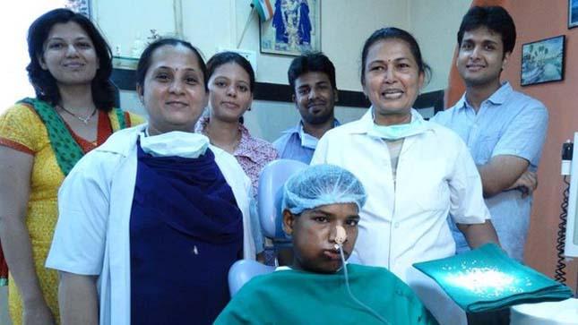 232 fogát húzták ki egy indiai fiúnak