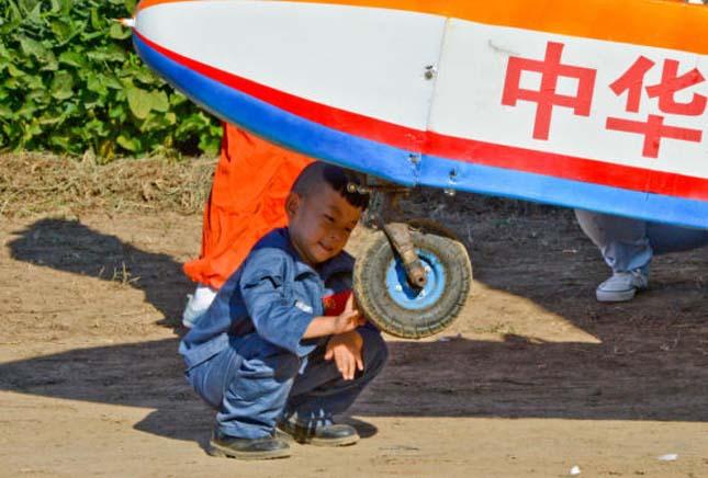 A világ legfiatalabb pilótája