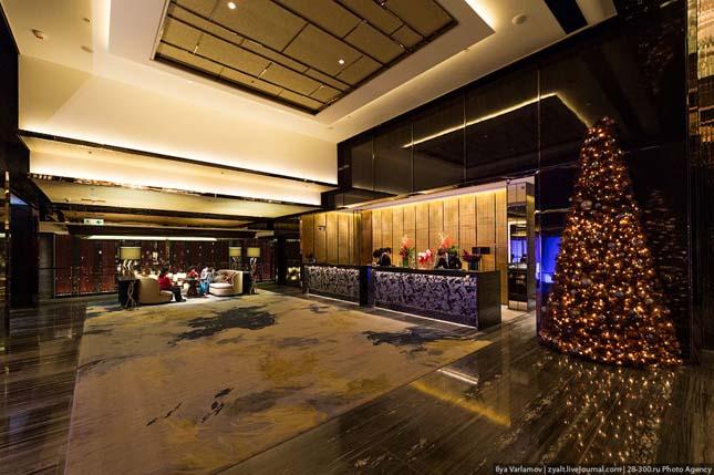 Ritz-Carlton Hotel, Hong Kong