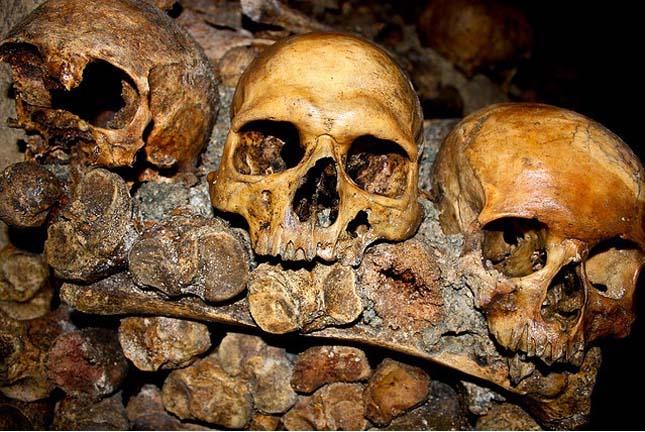 párizsi katakombák