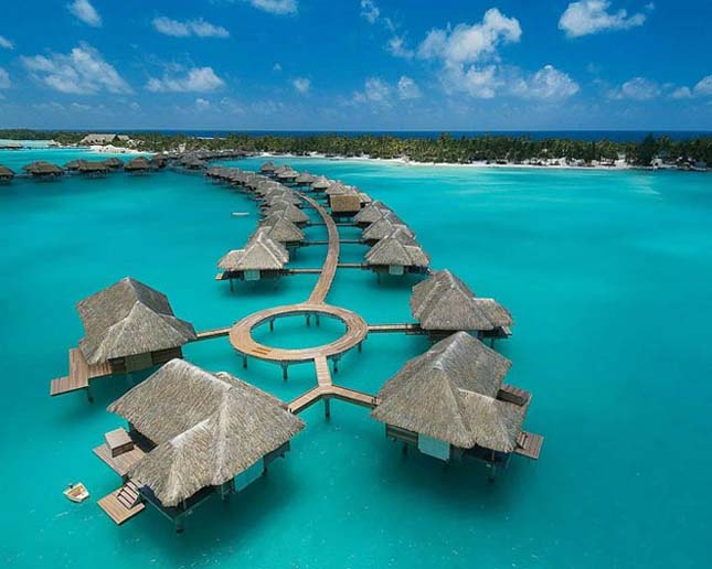 Four Seasons Hotel – Bora Bora