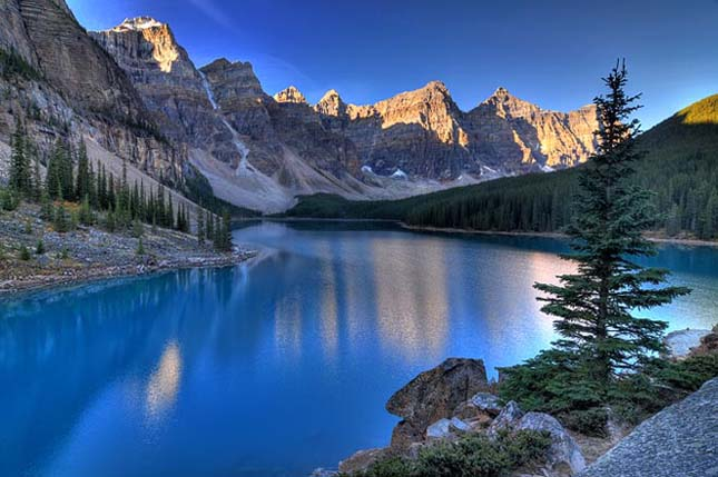 Valley of the Ten Peaks, Moraine-tó, Alberta, Canada