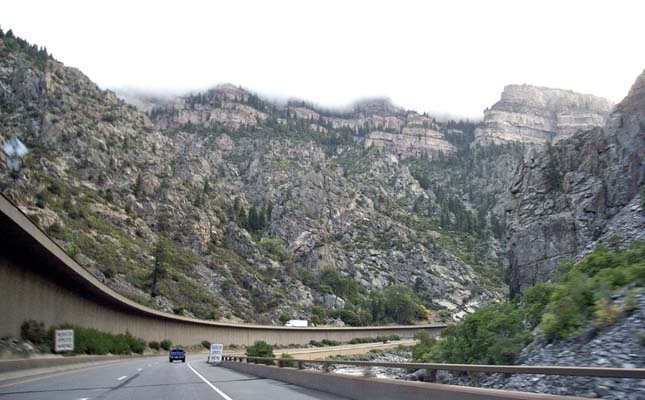 I-70, Glenwood Canyon, Colorado, USA