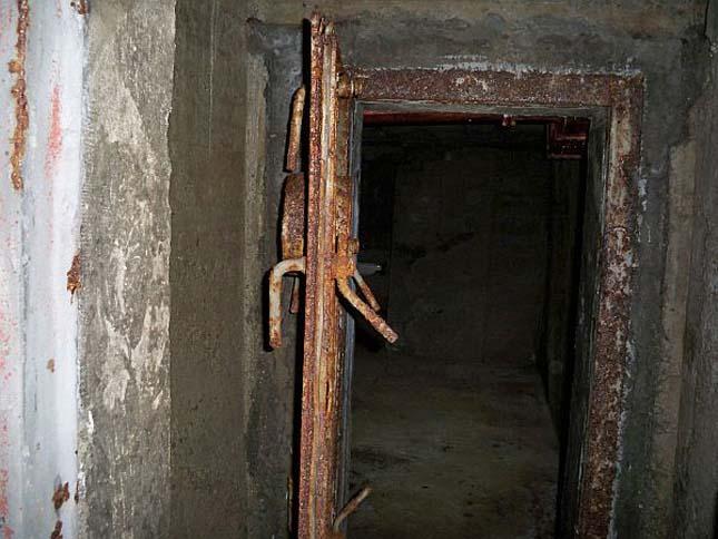 Albánia bunkerei