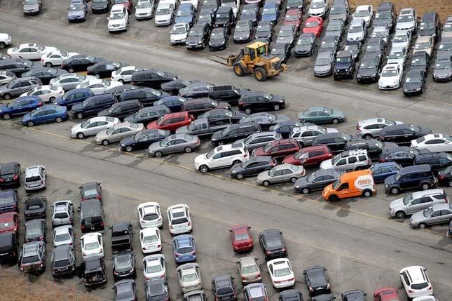 Sandy hurikán több tízezer autót rongált meg