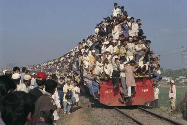 Bangladesi zarándokok vonat útja