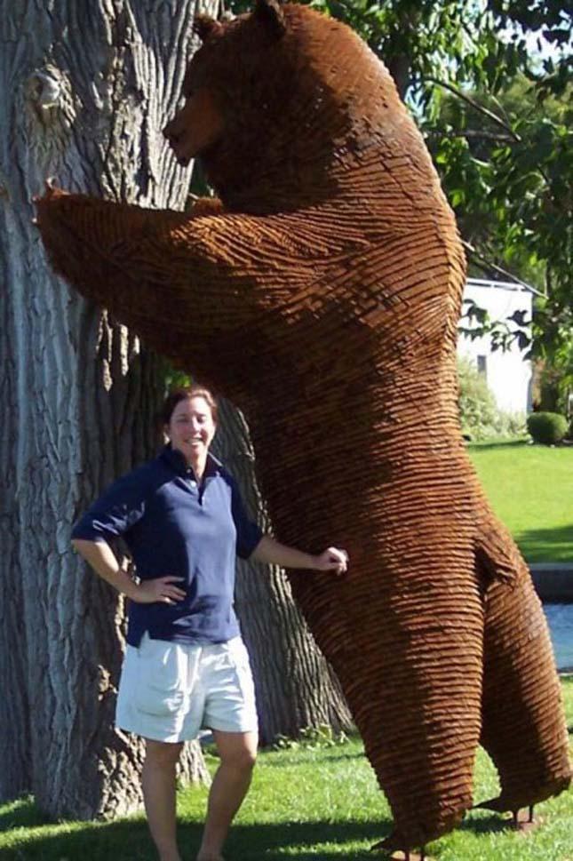 Bill Secunda szögekből készült szobrai