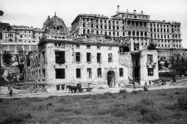 Budapest bombázása