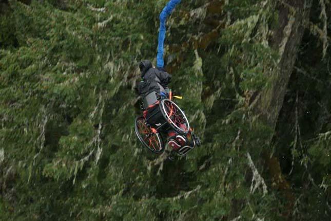 bungee jumping ugrás