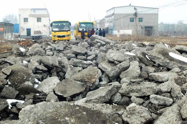 Feltúrták egy kínai város utcáit