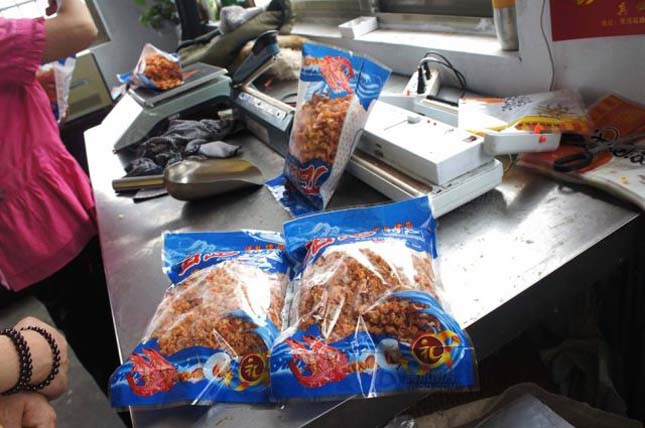 Garnélarák hamisítása ételfestékkel