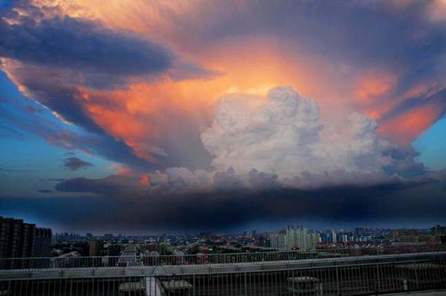 Gigantikus viharfelhő Peking felett