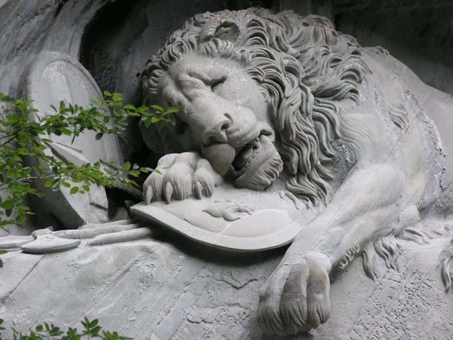 Haldokló oroszlán kőszobor, Luzern