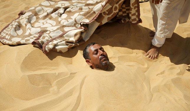 Homokfürdő a Szíva-oázisban