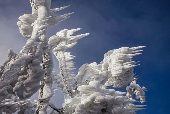 Jégbe fagyott sípálya