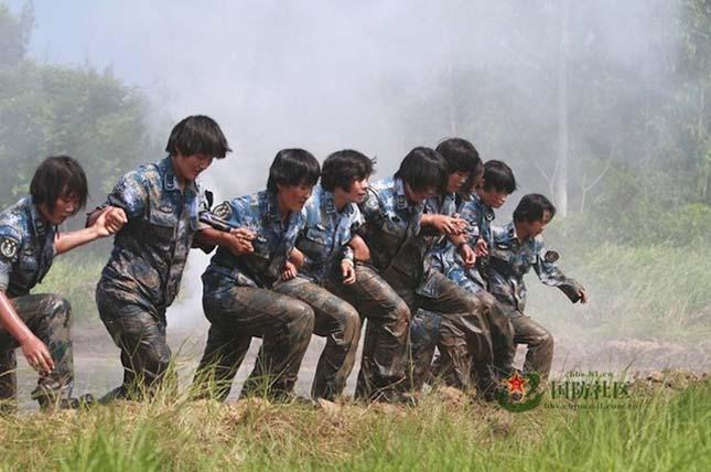 Kínai katonanők