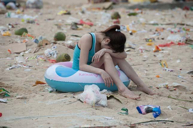 Szemetelés a kínai strandokon