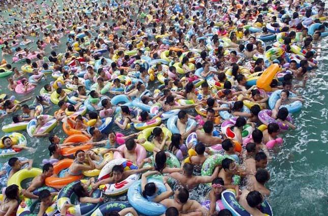A legzsúfoltabb és legmocskosabb strandmedencék a világon