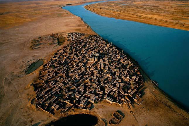 Falu a Niger partján, Mali