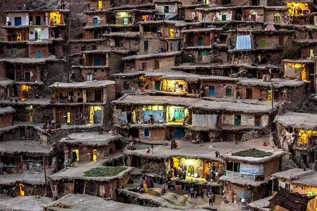 Hegyi falucska Iránban