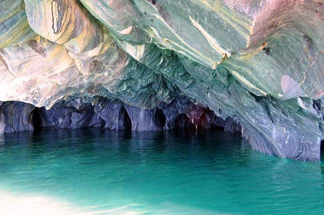 Márvány barlang Chilében