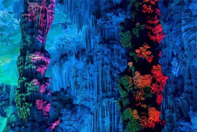 Nádsíp (Reed Flute) barlang Kínában