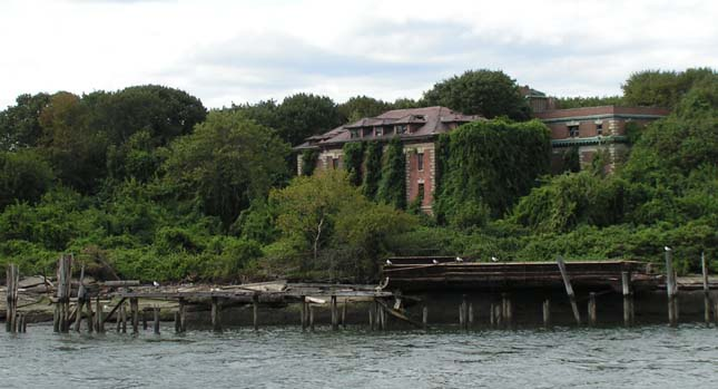 North Brother Island, kísérteties sziget