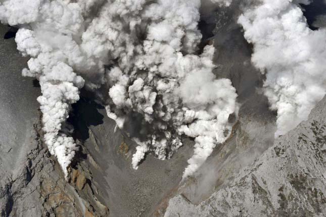 Ontake vulkán kitörése