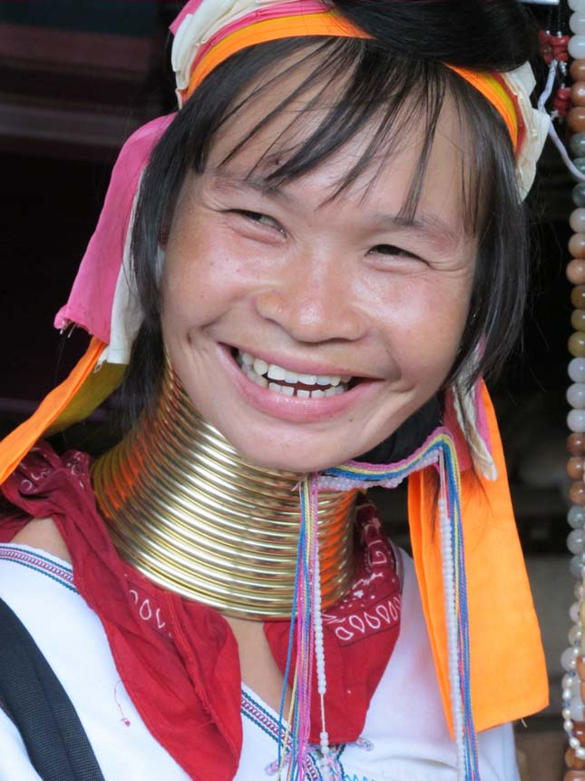 the padaung custom Ring wearing the kayan tradition of wearing a brass coil around their neck has attracted tourists, anthropologists and journalist alike because of this tradition the shan people called this long-neck tribe 'yan pa doung' meaning 'karen brass wound people', this name was adopted by the burmans and thais who refer to the people as padoung.