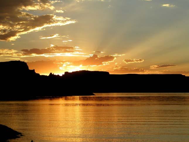 Powell tó