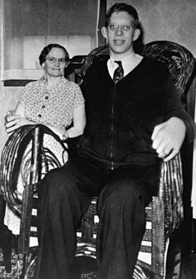 Robert Pershing Wadlow a valaha élt legmagasabb férfi