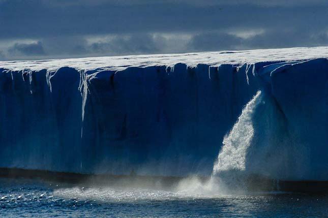 Gleccser vízesések – Spitzbergák, Norvégia