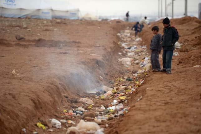 Szíriai menekültek tábora Jordániábana