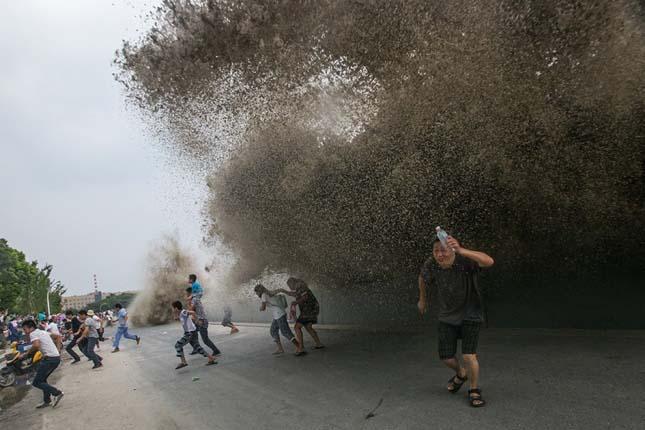 Toló árhullám a Qiantang folyón
