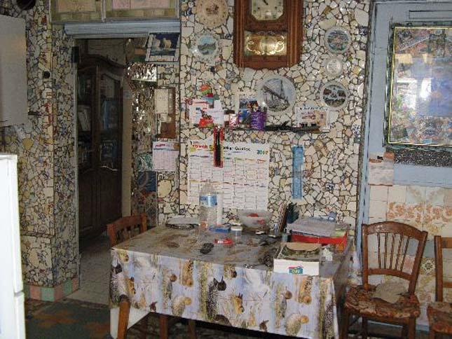 La Maison á Vasselle Cassée, a törött edények háza