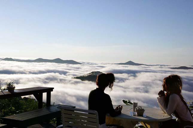 Étterem a felhők felett