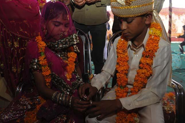 Tömeges esküvők Vadiában