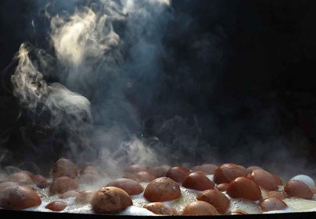 Vizeletben főtt tojások