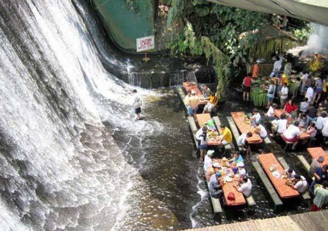 Étterem a vízesés lábánál