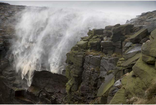 Visszafújta a szél a vízesést