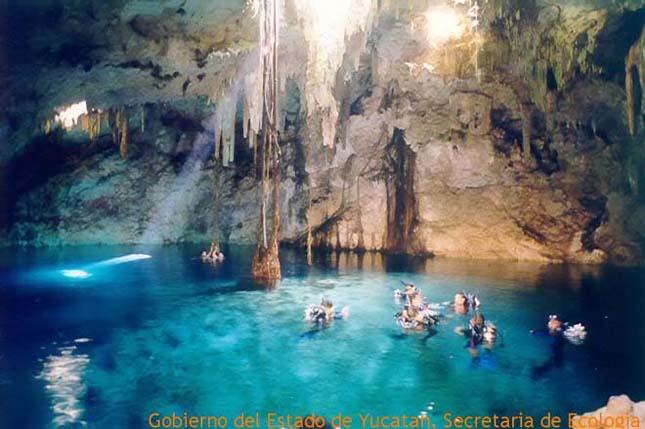 A Yucatán-félsziget víznyelői