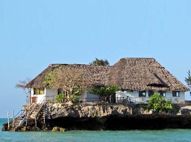 Étterem az óceánon Zanzibár szigete mellett