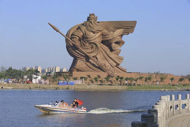 Guan Yu szobor