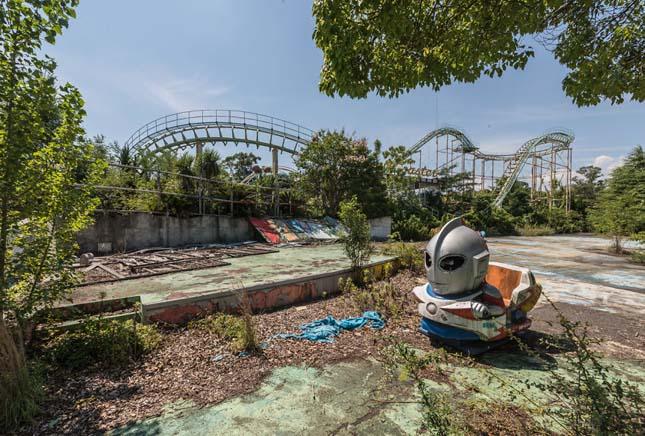 Elhagyatott japán vidámpark