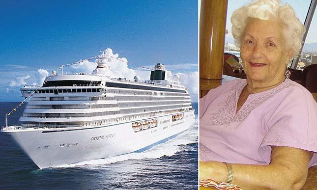 Óceánjárón él az idős néni