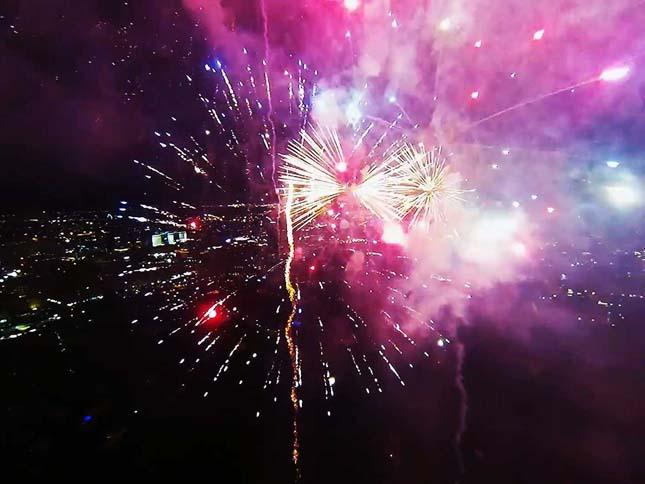 Tűzijáték drónvideón