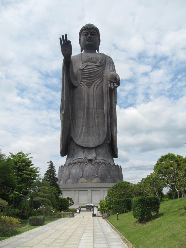 Ushiku Daibutsu