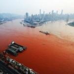 Vörösre változott a Jangce