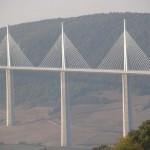 Millau-i völgyhíd, a leghosszabb ferdekábeles híd a világon
