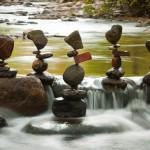 Elképesztő, gravitációt meghazudtoló kőtornyok – Mike Grab művészete